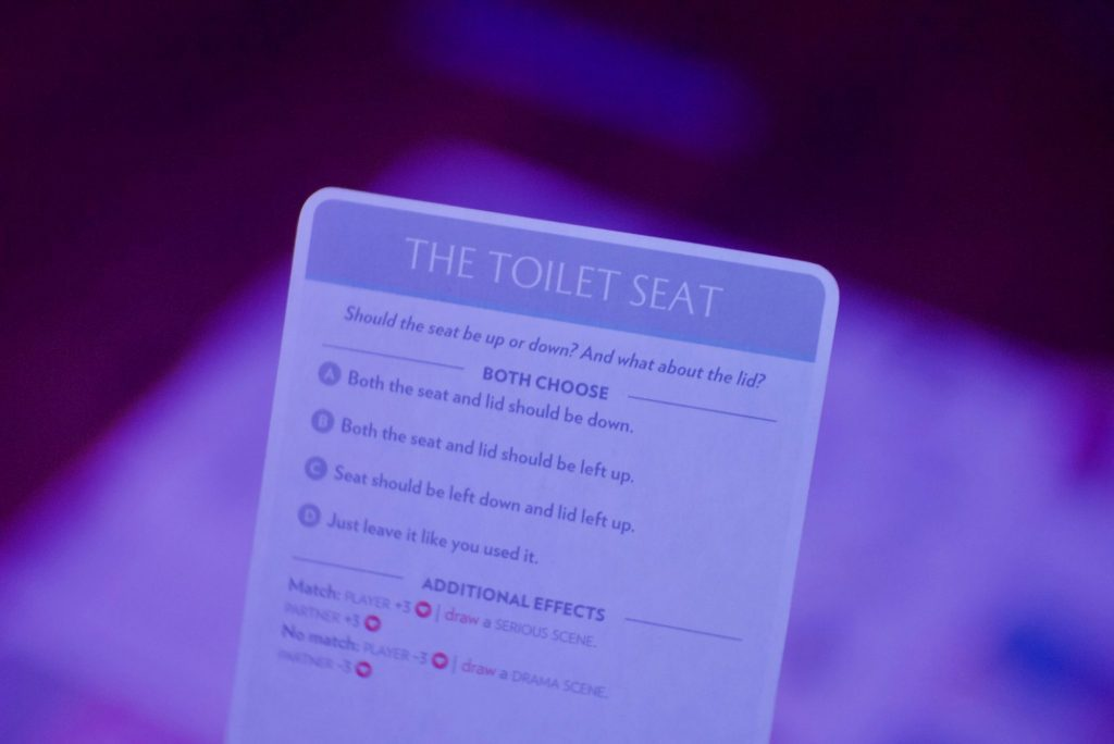 Fog of Love: toilet seat card