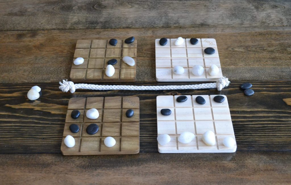 A game of SHOBU in progress.